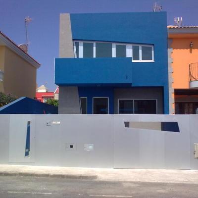 carpinteria de vivienda completa incluyendo fachada completa en chapa