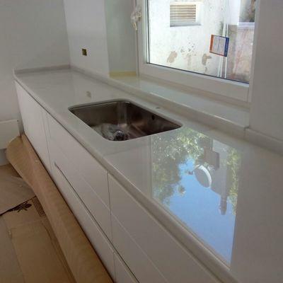 Encimera de cocina en marmol blanco macael extra