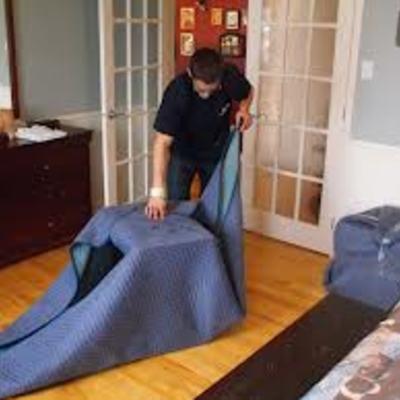 Completa  protección para poder transportar  un mueble dedicado..