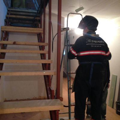Montaje escaleras metálicas