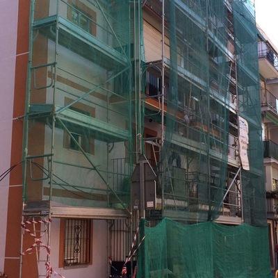 Instalación del SATE en las fachada de la comunidad de propietarios en alcorcon