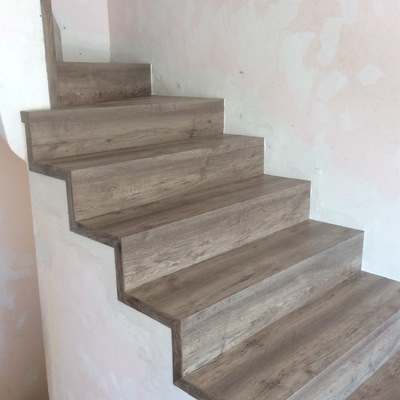 Escaleras forradas