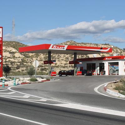 Reforma completa de gasolinera en Jijona
