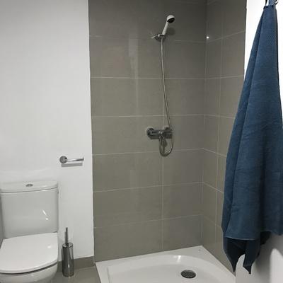 Baño común piso piloto