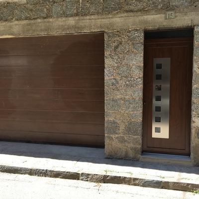 Porta d'entrada de garatge