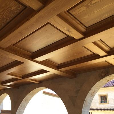 Forrado de techo en madera maciza