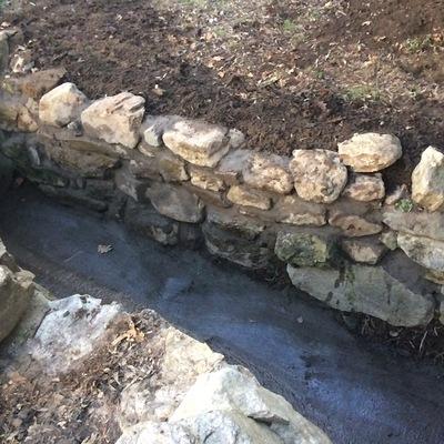 Muro y limpieza de desague