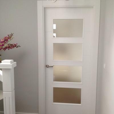 Puerta vidriera 4V lacada blanco