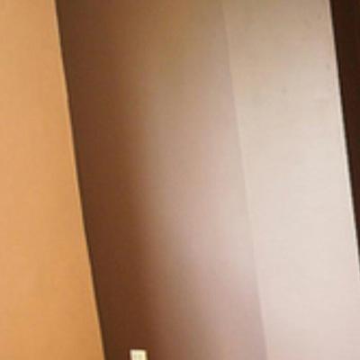 Oficina interior pintura en liso día tonalidades