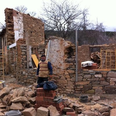 Reconstrucción de muros de piedra