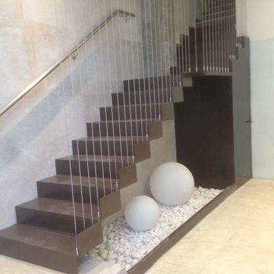 adaptación de portal en calle cardenal herrera oria, 23  Almería