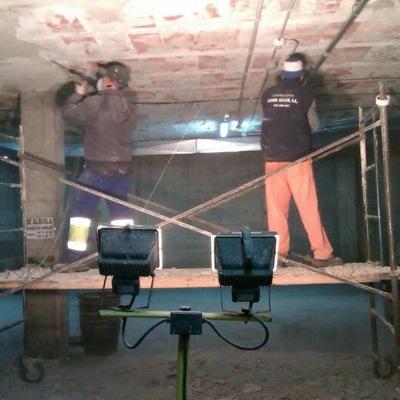 Picado de paramenbtos de techo de garajes de comunidad