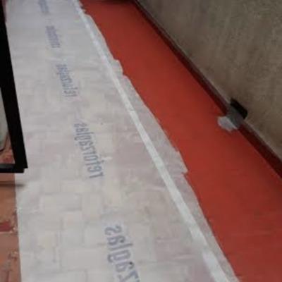 colocación de malla y aplicación de pintura impermeabilizante