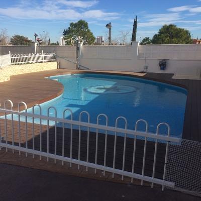 piscina de hormigón en Torrente, entrada tipo playa