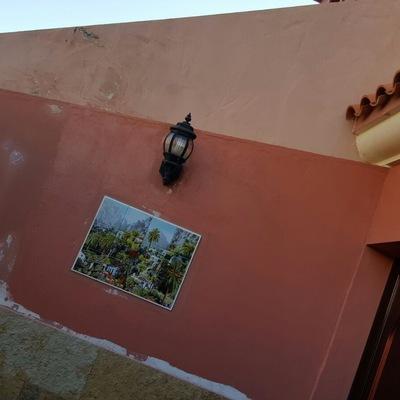 Reparación de grietas e imperfecciones en paredes de fachada