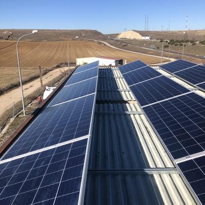 Paneles solares sobre cubierta plana
