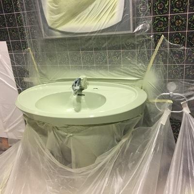 Esmaltado de lavamanos color original www.arreglarbañeras.com