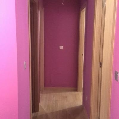 pintado de pasillo con un color fuerte