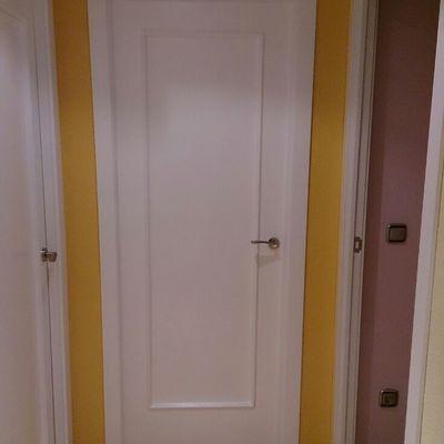 Puerta lacada blanca despues