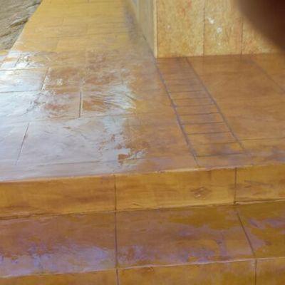 Forrado de escaleras con hormigón decorado
