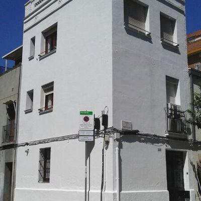 Saneamiento y pintura en fachada