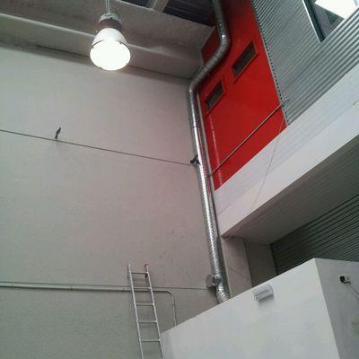 Instalación de tubo salida de humos.