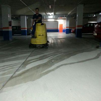 Limpieza y Mantenimiento de Garajes
