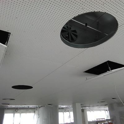 Falso techo acústico claneo