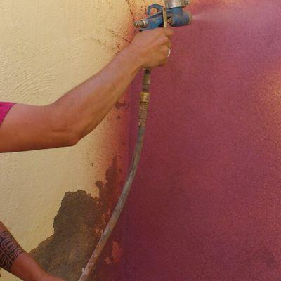 corcho proyectado en pared con capilaridad