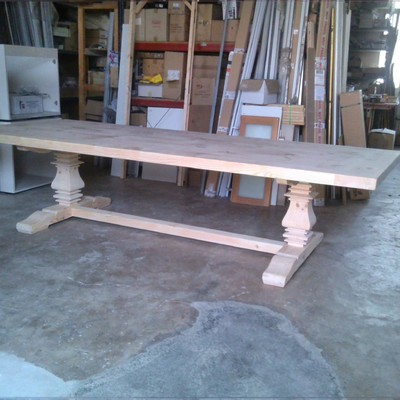 Fabricación de mesa maciza de Pino