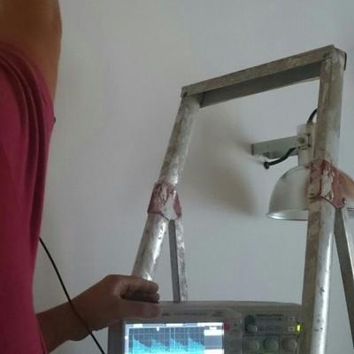 midiendo señal de electroosmosis para solucionar capilaridad