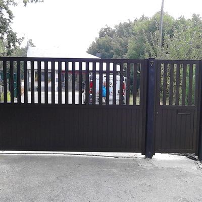 Puerta aluminio soldado