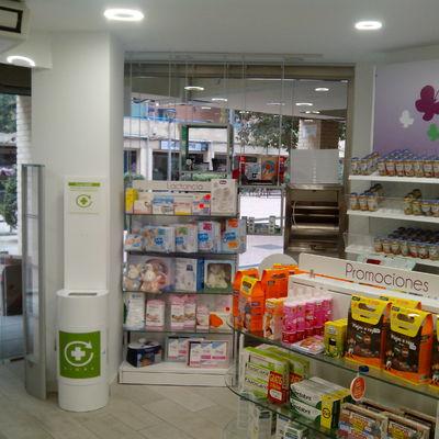 Interior Farmacia Nuevo Versalles 1