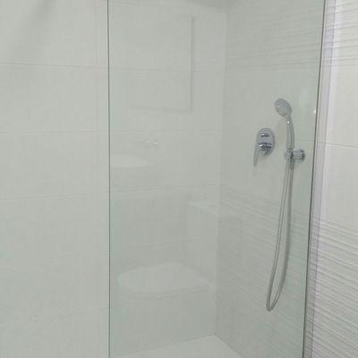 grifo ducha empotrable y fijo de cristal