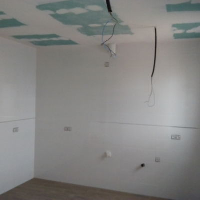 Alicatado y techo de placa cartón-yeso