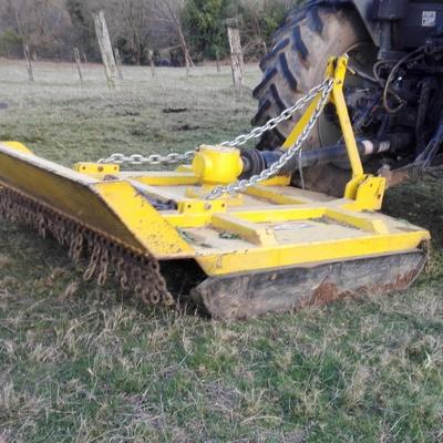 Desbroce tractor