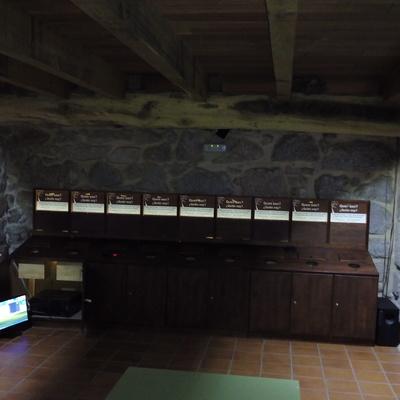 Mueble con tecnologia led y sonidos de animales