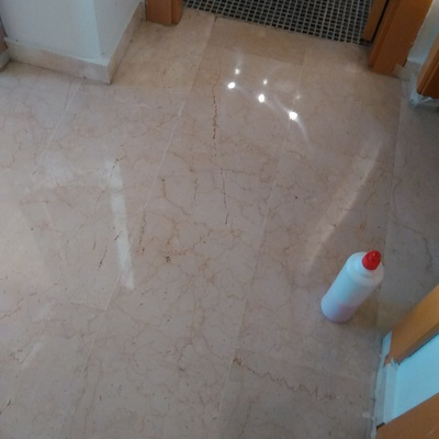 Abrillantado de suelo de marmol