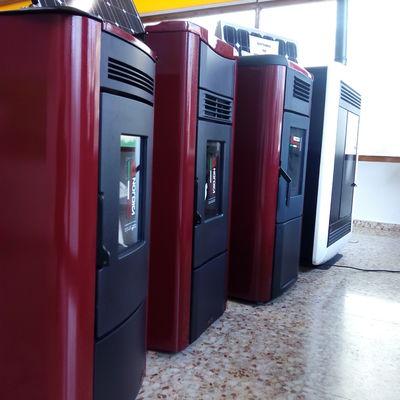 Exposición estufas de pellet NÓRDIC EXTRAFLAME en tienda AFOR en Requena.