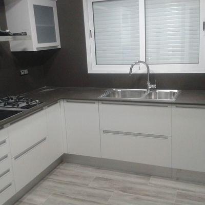 Encimera cocina y frente Silestone