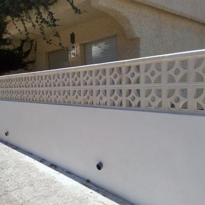 construcción de muro de antejardin