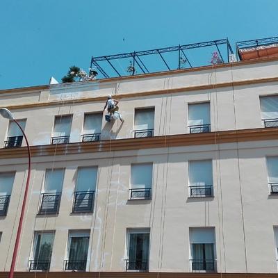 Reparación y pintado fachadas