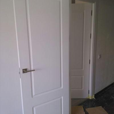 Puertas DM lacadas en blanco