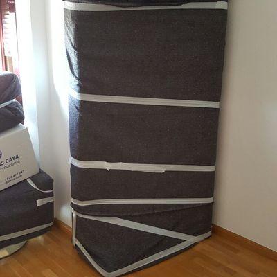 el sofa sin cojines