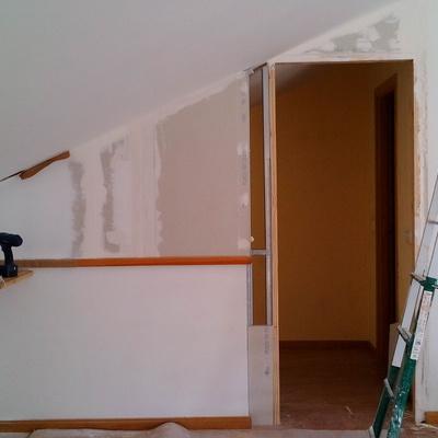 Cerramiento de Pladur y colocación de puerta