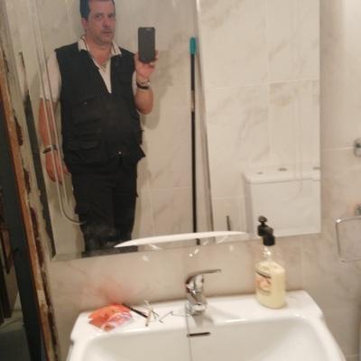 Reforma.baño con instalacion de accesorios