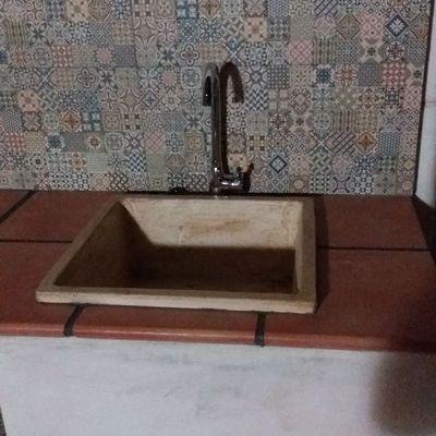 Cocina campera con azulejo hidráulico