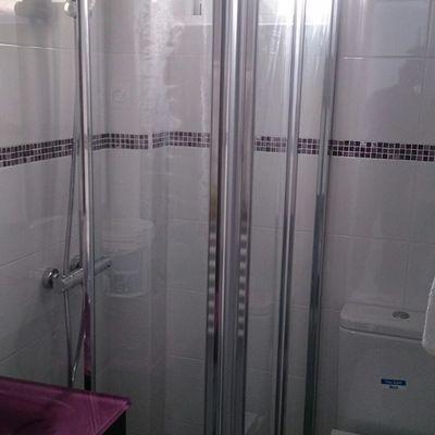Baño con ducha extraplana