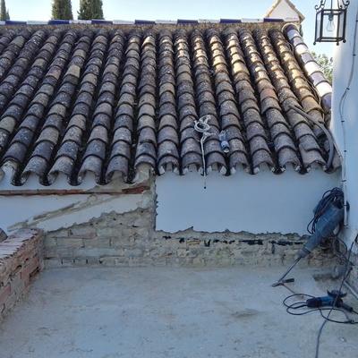 Levantado de tejado y formación de terraza