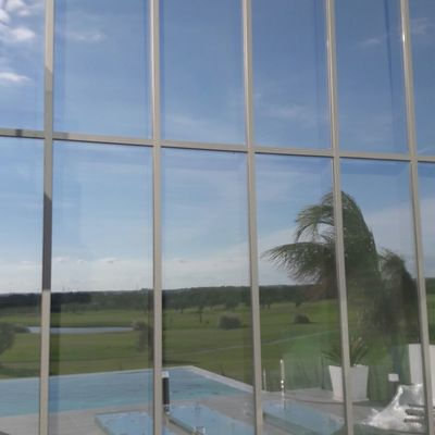 Muro cortina vista exterior.